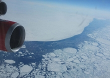 THE ICE FLOES ARE MELTING